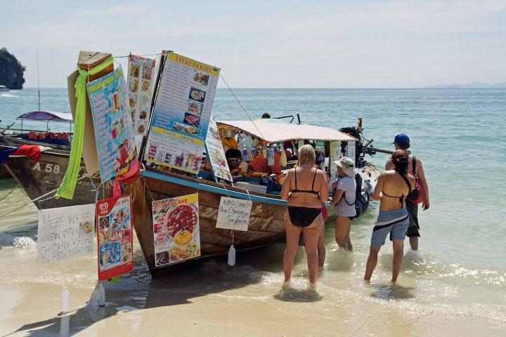 Thai shopkeepers sea level rise